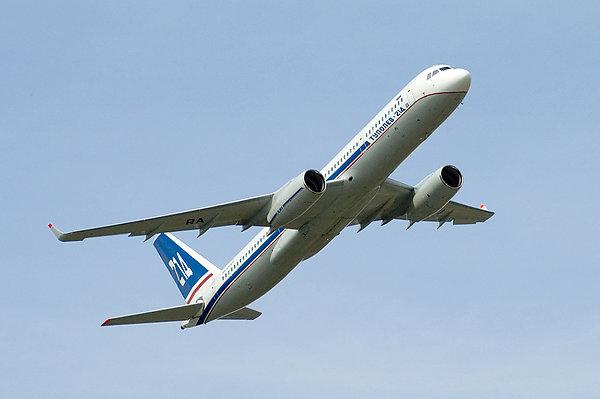 Самолеты различного назначения на базе самолета Ту-214 планируется выпускать до 2025 года, пишет Военно-промышленный...