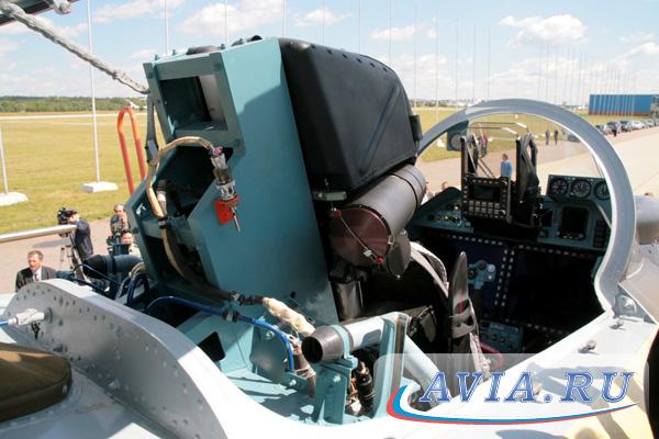 кабины Су-35 составляют