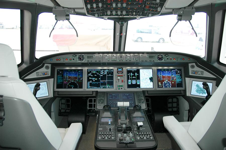طائرة ركاب روسية جديدة تكمل أولى رحلاتها DSC_0007