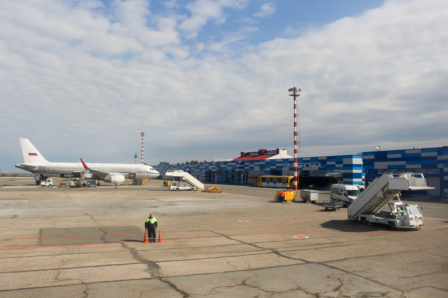 Crimean Belbek Airport will soon be able to serve civilian aircraft 98